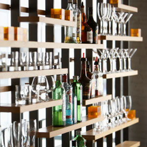 16-well-stocked-bar-lg